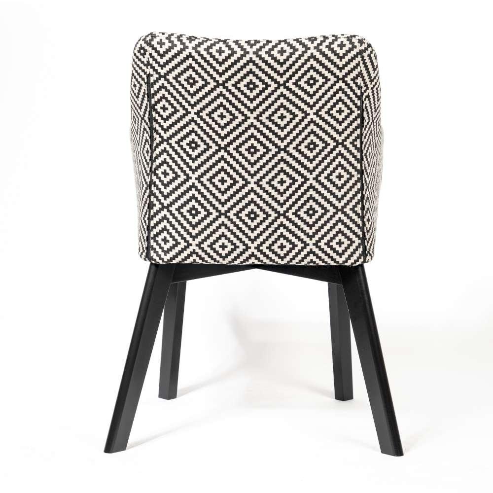 krzesło we wzory