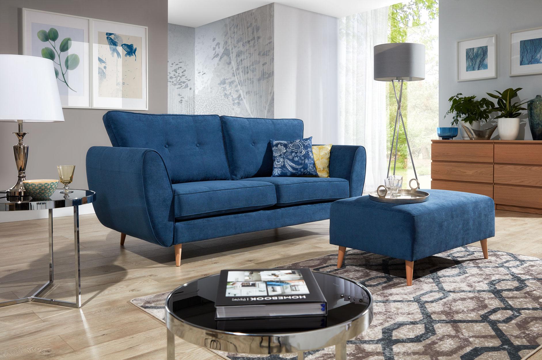 różowa sofa