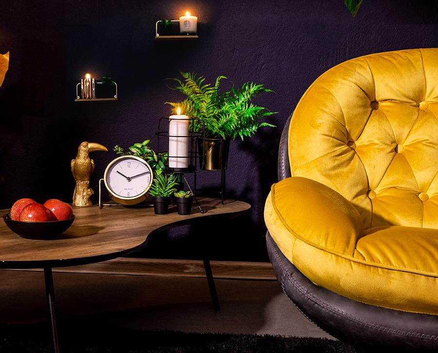miodowy fotel z podnóżkiem
